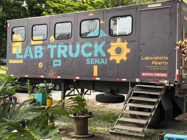 movimento maker - lab truck